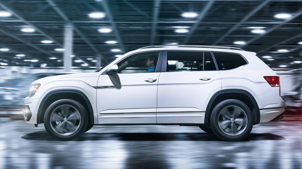 Volkswagen Teramont (Atlas) R-Line in drive