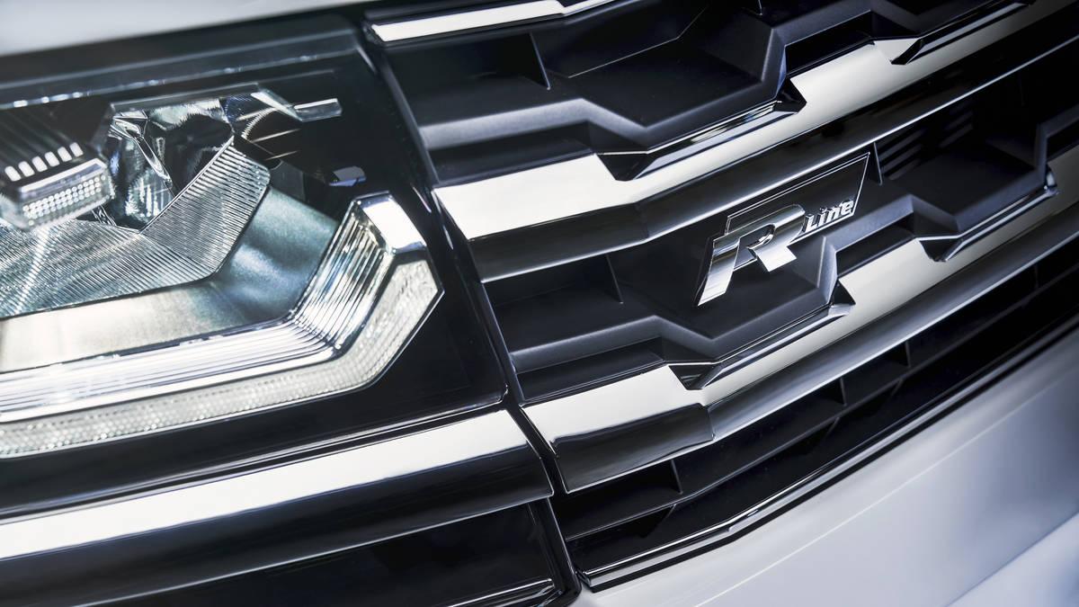Volkswagen Teramont (Atlas) R-Line решетка радиатора